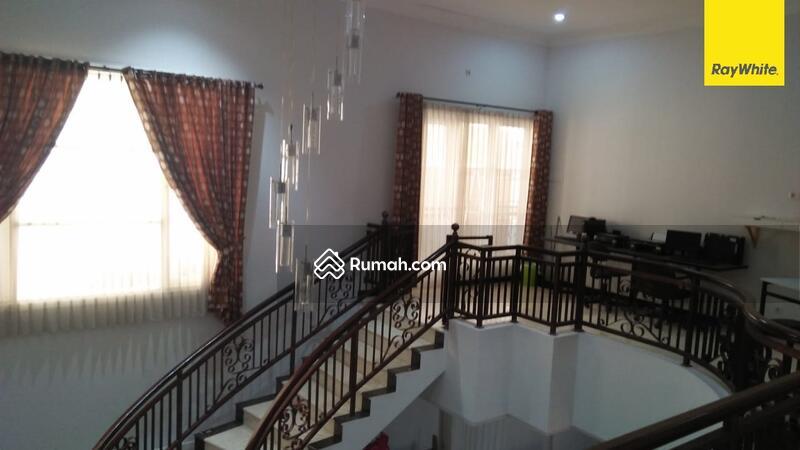 Rumah Bagus Mewah di Perum Regency 21, Surabaya #105179617