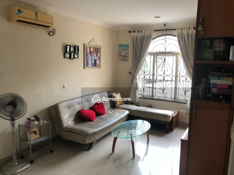 Dijual rumah 3 lantai uk 8x20 cluster Florence PIK #105179719