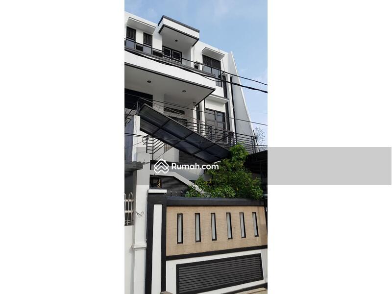 Rumah 3 Lantai 3 Kamar Tidur di Daan Mogot, JakBar #105180681