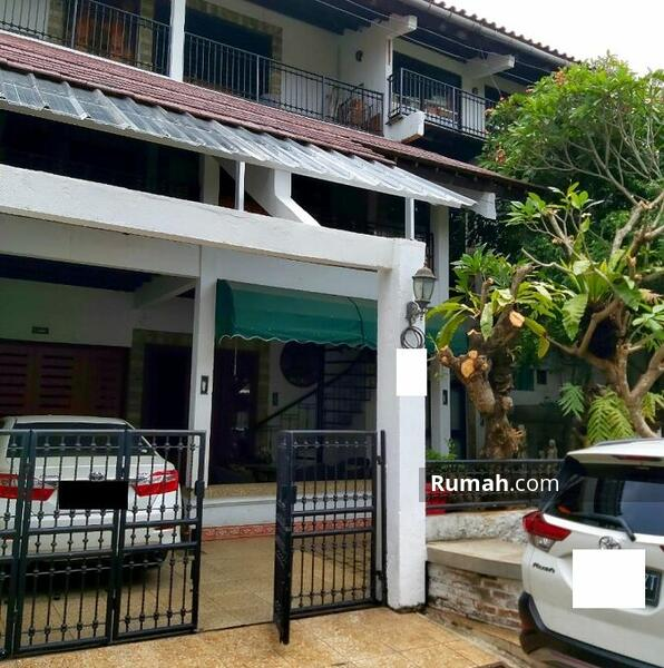 Rumah Mewah di Lebak Bulus Jakarta Selatan #105181093