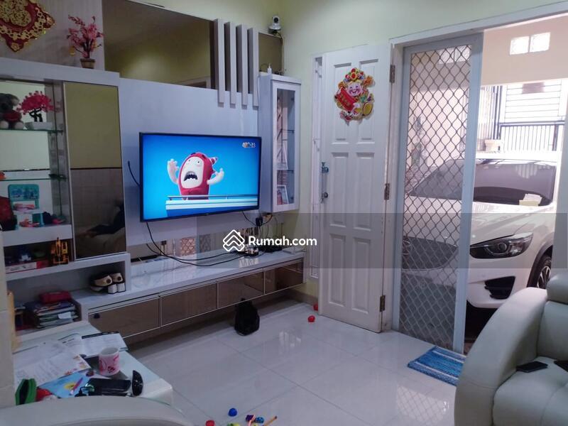 Rumah Muara Karang #105182681