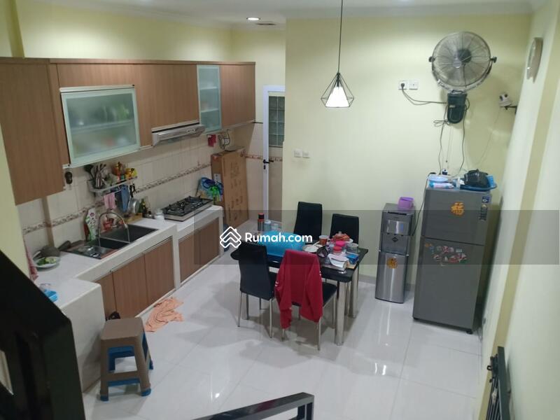 Rumah Muara Karang #105182687