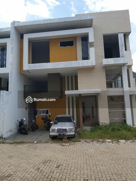Rumah Baru Dalm Komplek Lingk Tenang Nyaman Bbs Banjir Dekt Jlan Raya Dan Pintu Tol Psr Mgu Jkt Sltn #105185887
