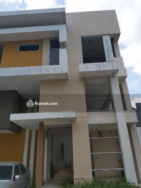 Rumah Baru Dalm Komplek Lingk Tenang Nyaman Bbs Banjir Dekt Jlan Raya Dan Pintu Tol Psr Mgu Jkt Sltn #105185891