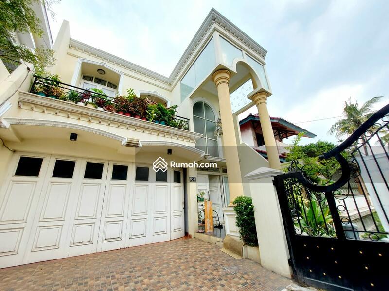 Rumah Megah Modern Classic Siap Huni di Tebet #105186557
