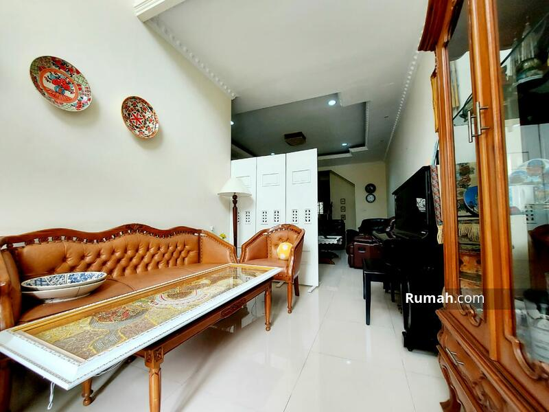 Rumah Megah Modern Classic Siap Huni di Tebet #105186563