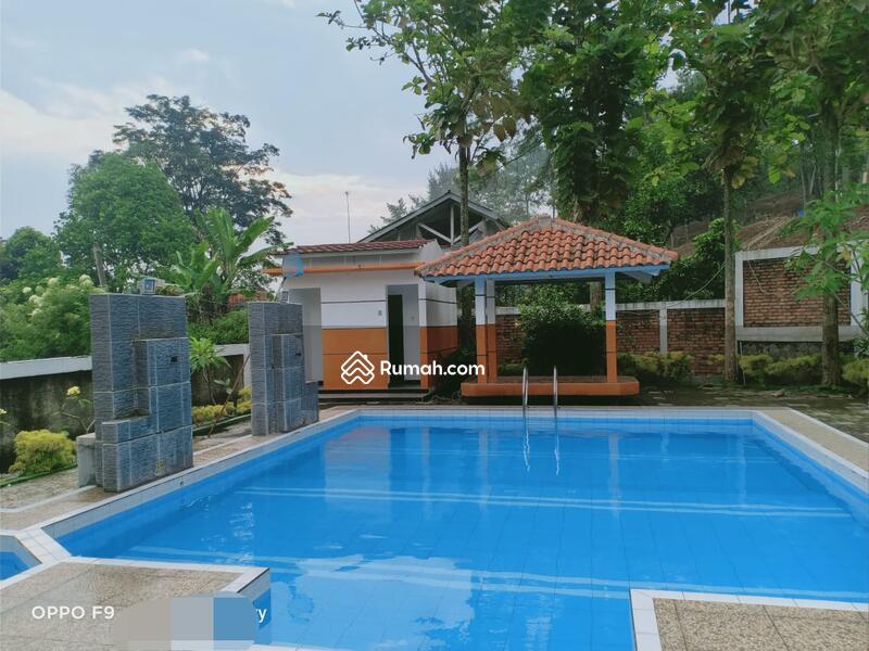Villa Gunung Geulis #105188023