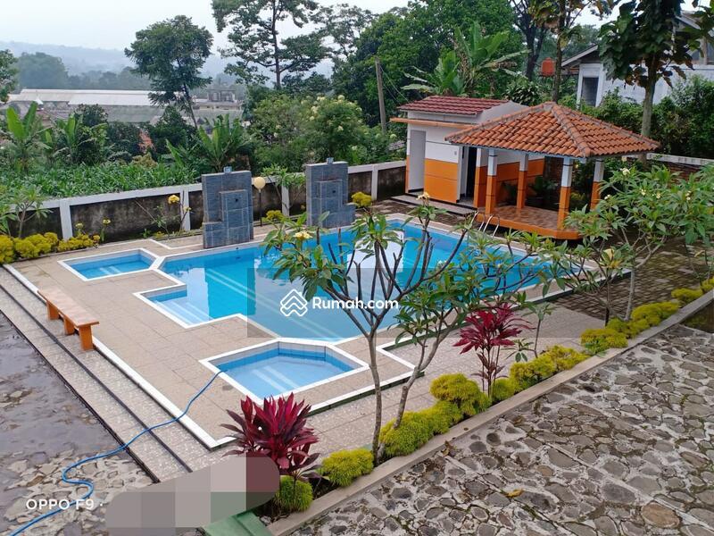 Villa Gunung Geulis #105188119