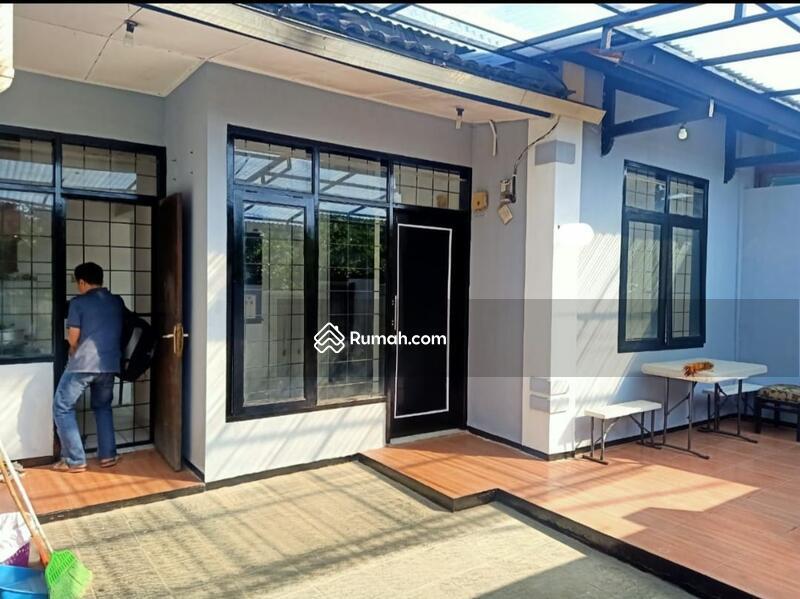 Dijual Rumah Banting Harga!! dalam komplek Cisangkan untuk Bulan ini Cimahi Tengah #105192771