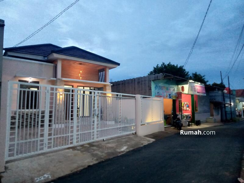 Rumah Jatiwarna pondok melati #105194249