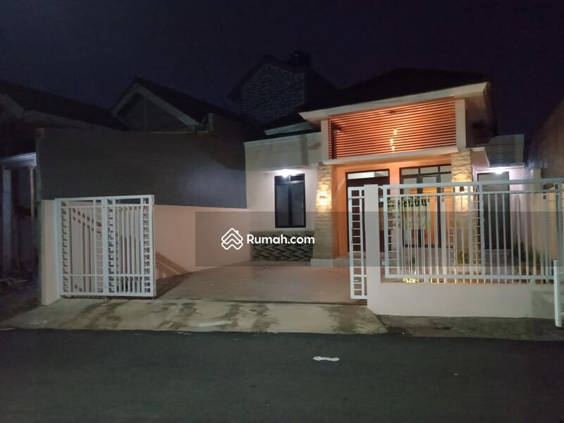 Rumah Jatiwarna pondok melati #105194251