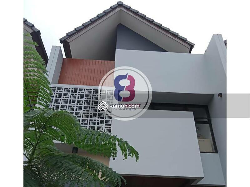 Rumah Dijual BRAND NEW di Area Bintaro Sektor 9 Exclusive Design Milenial Dengan Kolam Renang #105194743