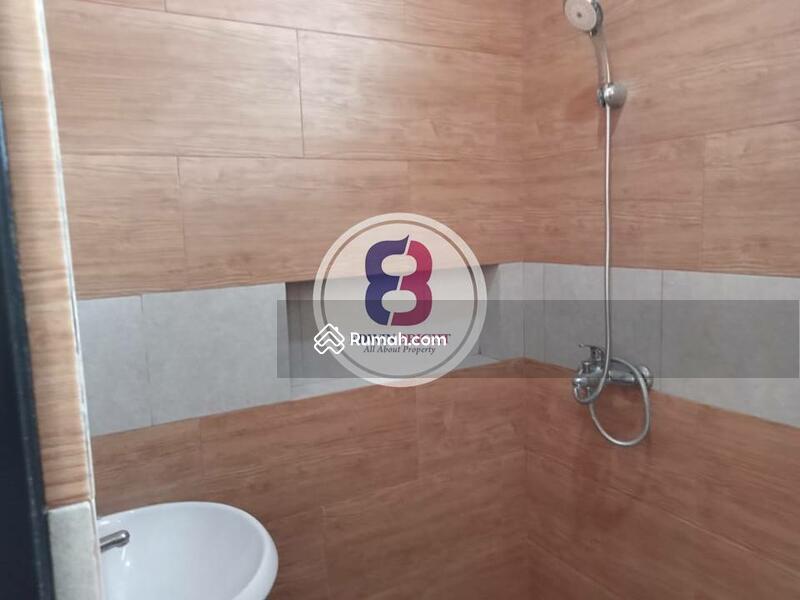 Rumah Dijual BRAND NEW di Area Bintaro Sektor 9 Exclusive Design Milenial Dengan Kolam Renang #105194751