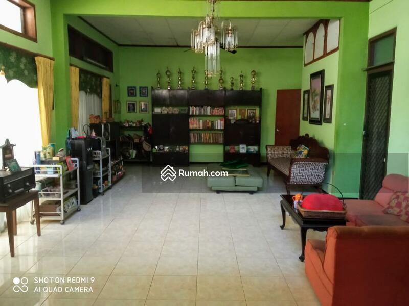 Dijual rumah lokasi strategis Jl. Raya Manyar Rejo #105199313