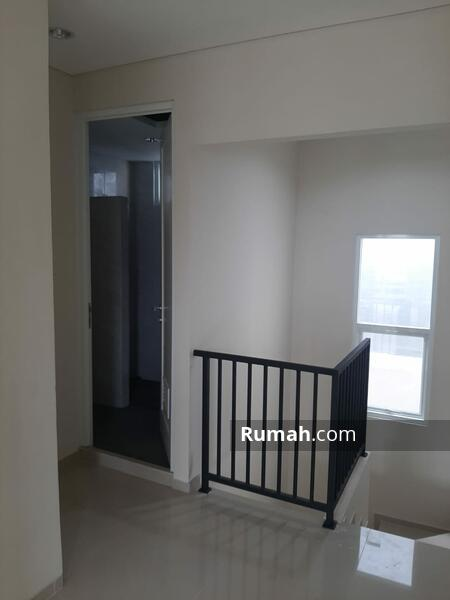 Rumah hoek, siap huni di Bintaro jaya #105200791