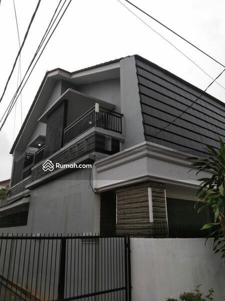 Rumah mewah dalam komplek perumahan pondok kelapa jakarta timur #105206991