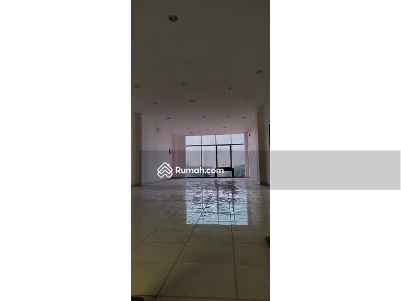 Ruko Avenue siap pakai 3Lantai Luas 5x19 di Boulevard JGC Jakarta Garden City Jakarta Timur #105207967