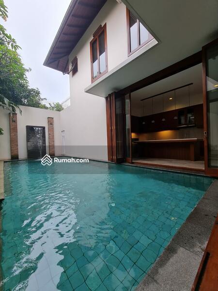 Rumah Mewah Bergaya Tropical Resort Di Cipete Jakarta Selatan #105207927