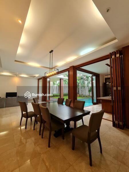 Rumah Mewah Bergaya Tropical Resort Di Cipete Jakarta Selatan #105207933