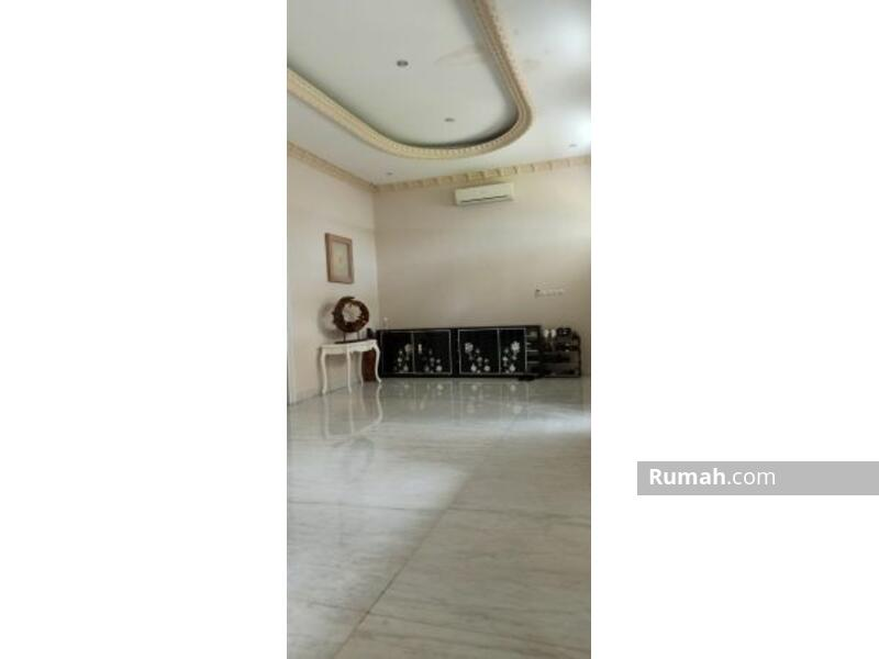 Rumah mewah 4 lantai siap huni luas 18x26 463m Type 6+1KT Kelapa Gading Jakarta Utara #105209287
