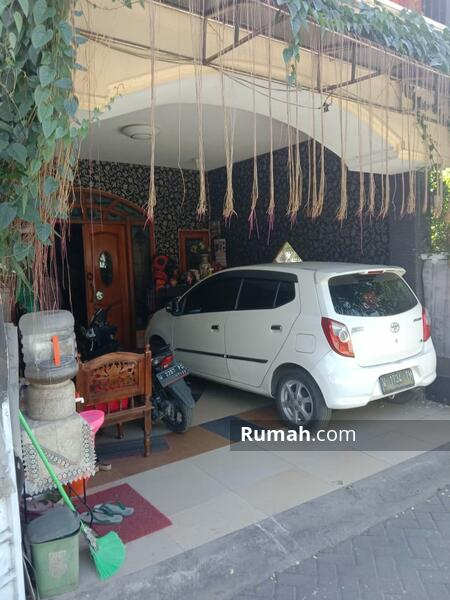 Rumah 2 lantai  lokas dekat raya waru #105209783