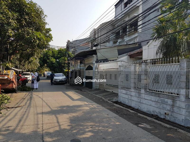 RUMAH tua dan luas daerah Tomang Hero Jakarta Barat #105227299