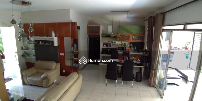 FOR SALE : Rumah 2 Lantai Nyaman Adem di Kota Baru Parahyangan #105222321
