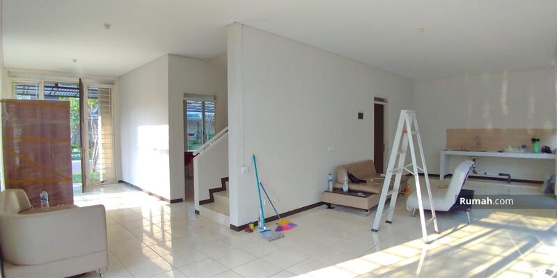 FOR RENT : Rumah 2 Lantai Type Favorite & Hook di Kota Baru Parahyangan #105211605