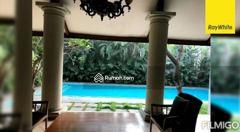 Rumah 2 lantai di Jln Gayung Kebonsari, Surabaya #105212055