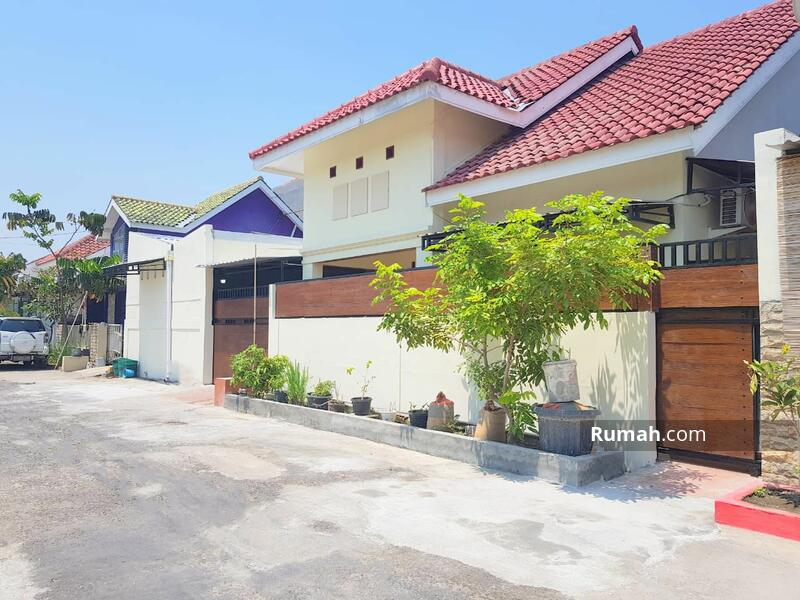 Dijual Rumah Second Cantik Full Furnished di Gumpang Kartasura #105214163