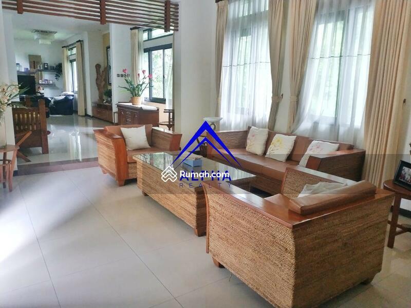 Disewa Rumah Asri Ciumbuleuit Kota Bandung #105214915