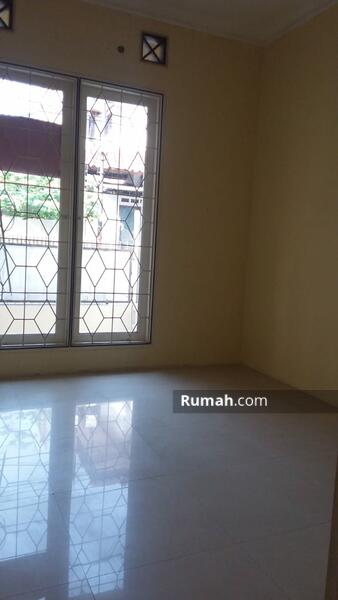Rumah Luas 90 m2, 3 Kamar Tidur di Rawamangun #105216197