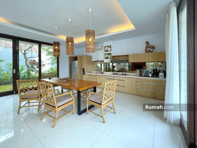 Minimalist Modern Villa with Ocean View and Airport View #105217071