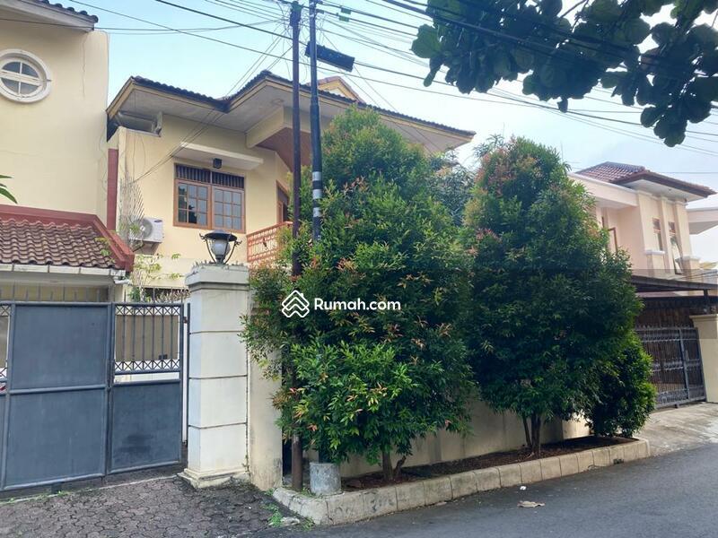 Rumah jalan Adyaksa Lebak Bulus #105220743