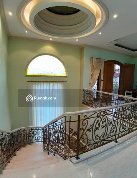 Dijual rumah mewah di Taman surya Jakarta Barat #105224055