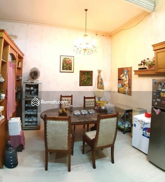 Dijual rumah mewah di Taman surya Jakarta Barat #105224059