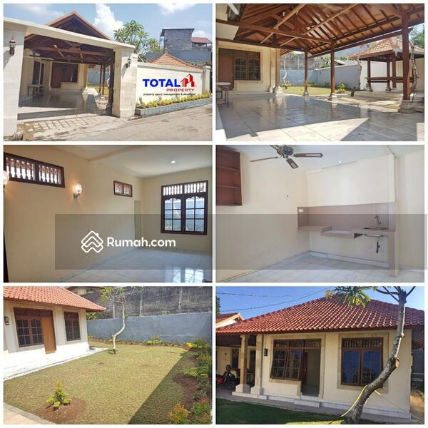 Jual rumah ala villa carport 2 mobil di kesiman denpasar #105224275