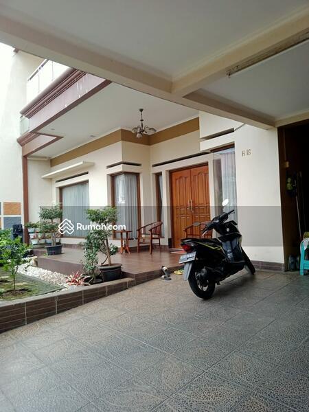 Rumah 2lt dalam komplek one gate sistem di Pondok kelapa jakarta timur #105826035
