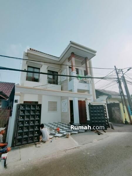 RUMAH BARU SINGLE UNIT AKSES DEBEST PINGGIR JALAN RAYA #105227187