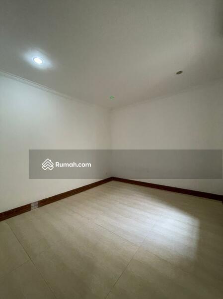 Rumah Minimalis Harga Menarik Dalam Komplek Tanjung Barat Indah Jakarta Selatan #105228033