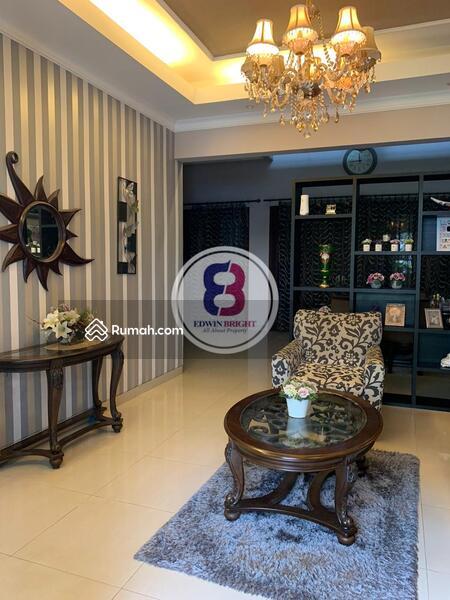 Dijual Rumah Mewah Dalam Kompleks di Duren Tiga Jakarta Selatan #105230859