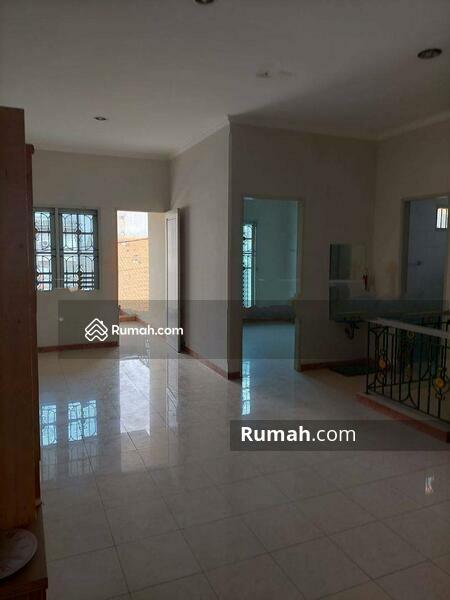 Rumah Cantik Daerah Jelambar, Jakarta Barat #105230885