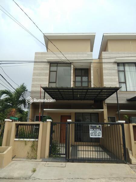 Dijual rumah bagus di  boulevard Hijau Harapan Indah bekasi #105231703