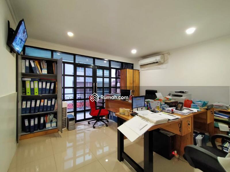 Ruko Haji Nawi Jakarta Selatan #105232695