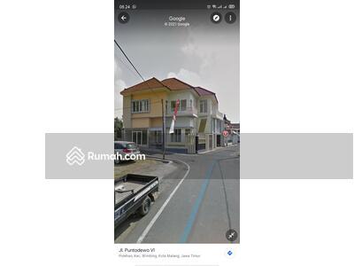 Dijual - Rumah mewah 2 lantai di tengah kota malang