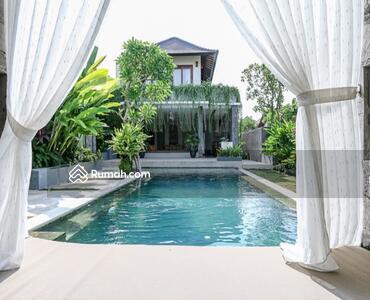 Dijual - Jsp 104-dijual villa 2 lantai modern style di kawasan pariwisata kerobokan