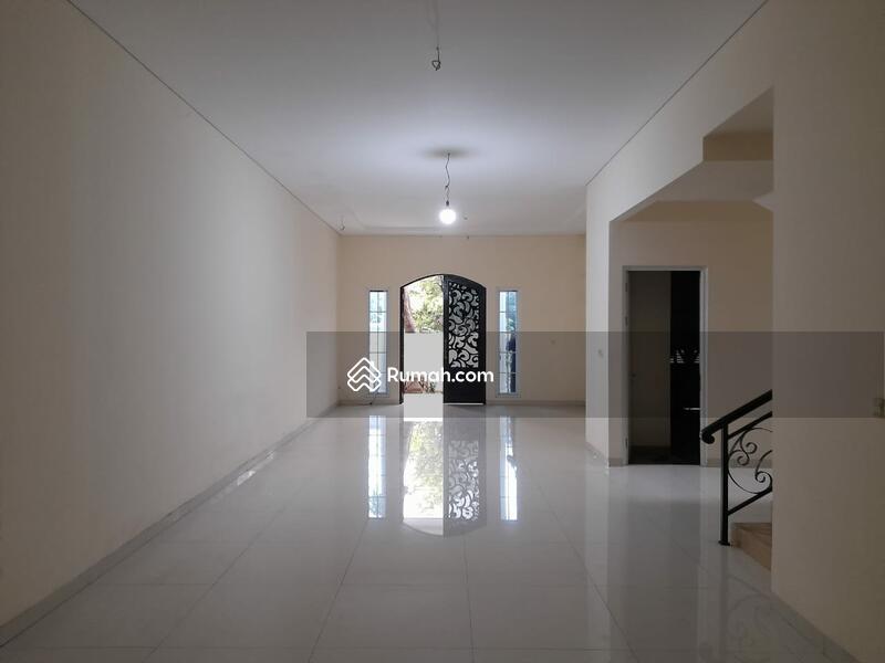 Rumah Baru dengan Lingkungan yang Nyaman, Jalan Lebar dan tidak Banjir #105271173