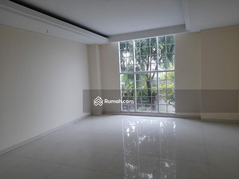 Rumah Baru dengan Lingkungan yang Nyaman, Jalan Lebar dan tidak Banjir #105271175