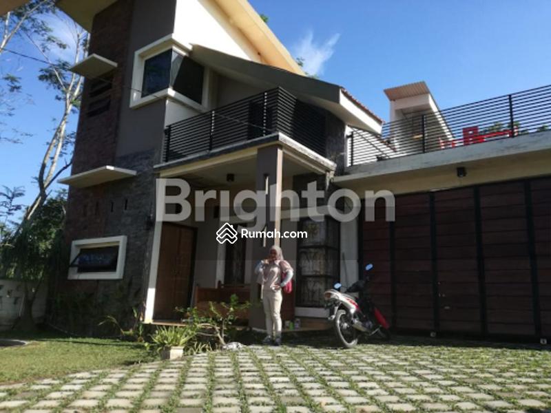 Rumah Mewah Pinggir Kota #105285969