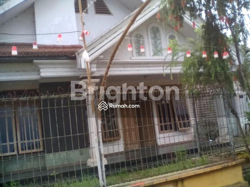 Rumah Pinggir Jalan Utama #105286095